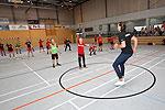 Marcel Timm trainierte mit zwei Jugendmannschaften des CVJM Oberwiehl