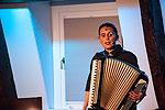 La Signora – Callas des Akkordeons und Showgirl